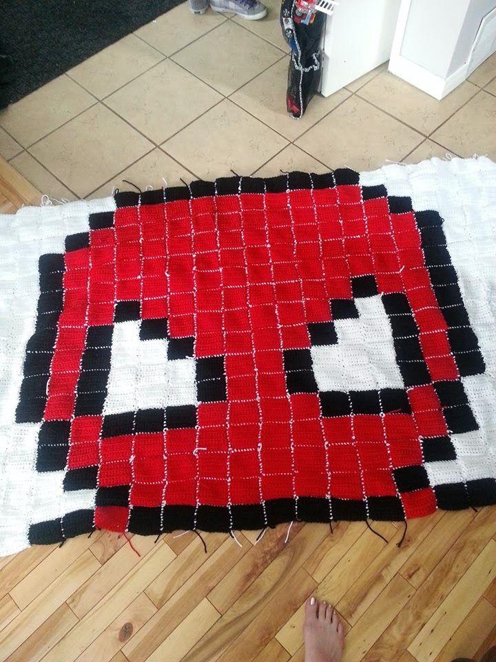 Spiderman Blanket Knitting Pattern : 1000+ ideas about Spiderman Blanket on Pinterest Batman quilt, Pixel art an...