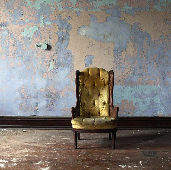 : Velvet Chairs, Vintage Chairs, Vintage Wall, Gold Chairs, Basements Wall, Wall Treatments, Antiques Chairs, Texture Wall, Wall Texture