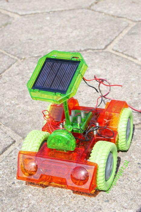 Grasshopper - super eko samochód! Napęd solarny i korbkowy gwarantuje godziny wspaniałej zabawy! Łatwy montaż i atrakcyjny wygląd, to jest to! / Grasshopper - great eco car! Solar and dynamo power guarantees hours of splendid fun! Easy to build and attractive image, this is it! PLN99.99 / $34
