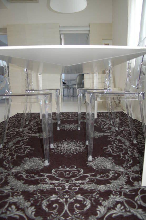 appartamento : Sala da pranzo minimalista di monica giovannelli architetto