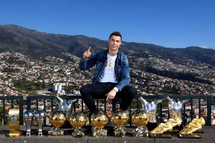 """Cristiano poses with all of his major individual awards in his Hometown!❤❤ Cris: """"When I played in the streets of Madeira and dreamed of reaching the top, I did not think I would take a picture like that. I dedicate this moment to my family, friends, teammates, coaches and club structures and selection. Special thanks to the fans. These trophies are yours too!"""""""