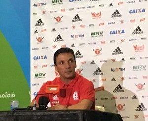 Zé vibra com Berrío e diz que vitória contra o Grêmio testou força do Fla