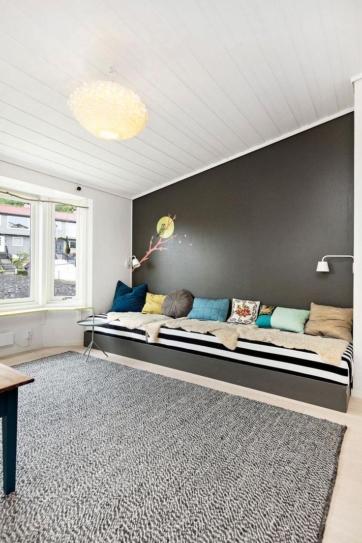 FINN – NATTLAND/SÆDALEN - Drømmerekkehuset - vakker opparbeidet hage - 5 soverom og kjellerstue. Garasje & carport