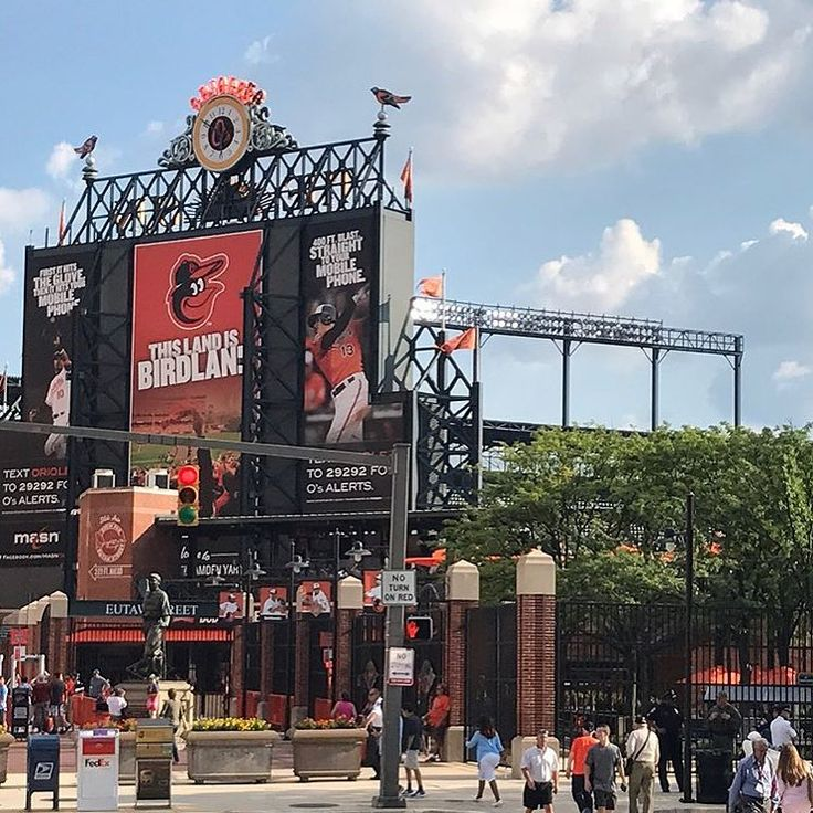 Baltimore Strong!! #baltimore #orioles #baseball #base #pitch #mlb #ny #nyc #newyork #newyorkcity #snl #funny #bluesteel #thatface #isitreal #truth #smile #soserious #beauty #beautiful #serious
