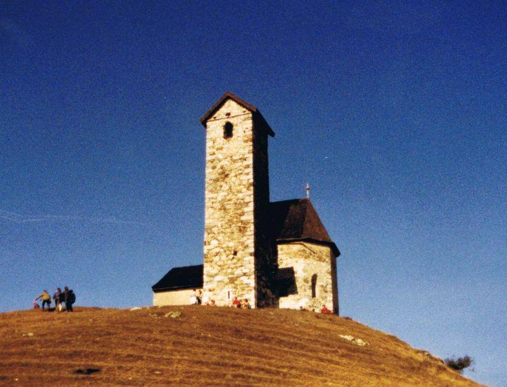 Die Kirche St. Vigil in Lana / Südtirol im Oktober 1981