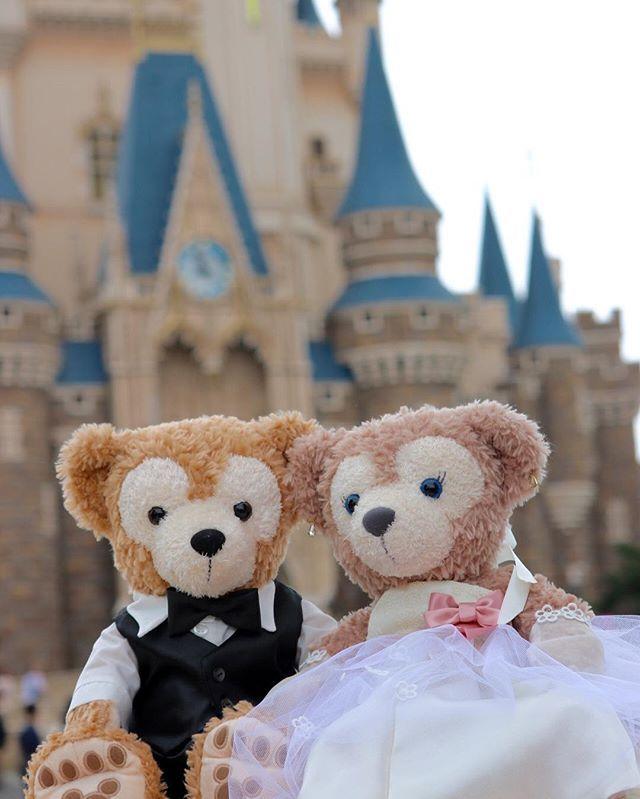 いきなり雨と雷!ポップン1回目見れてよかった〜(°_°) ダッフィーちゃんたちもランドとランドホテルでお写真撮りました(*^^*) #結婚式#友達の結婚式#縫い物#ハンドメイド#ウェディング#ウェディングドレス#ウェルカムボード#ウェルカムエリア#ウェルカムベア#東京ディズニーリゾート#tokyodisneyresort#東京ディズニーシー#tokyodisneysea#ダッフィー#シェリーメイ