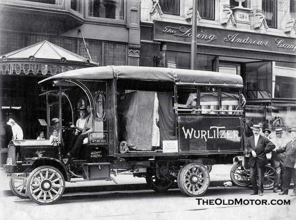 Packard trucks delivered by the Citizens Packard Motor Car Co. of Cincinnati, OhioCincinnati. The truck appears to be loaded with Wurlitzer pianos