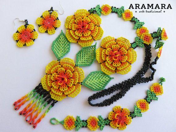Huichol flowers necklace and earrings set by Aramara on Etsy (www.etsy.com/uk/people/Aramara)