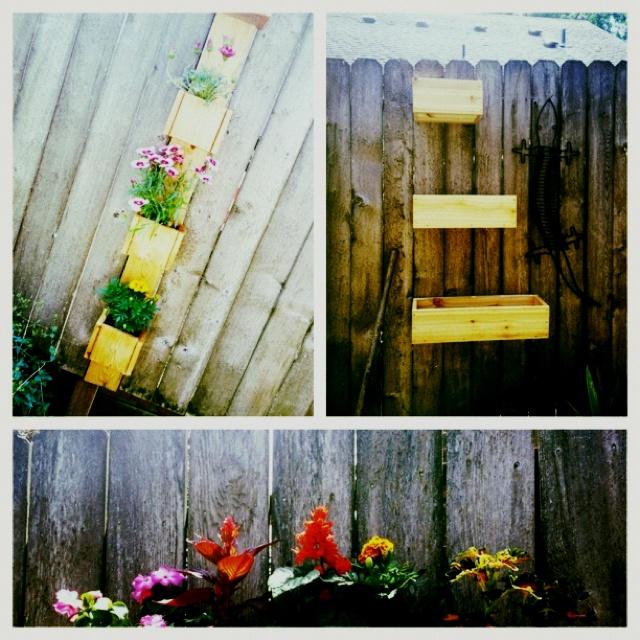 Flowering pot idea on the fence: Pots Ideas