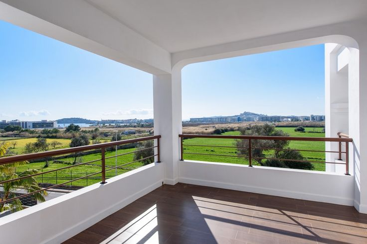 Villa Torres · Talamanca - https://www.zanibiza.com/listing/villa-torres-talamanca/ - Attractive four bedroom villa with pool, views and walking distance to Talamanca beach. The area is very popular as it is close to Ibiza town, the marina and the best best beaches in Ibiza. This quality villa is build on two levels. On the ground level there is a large living and dinning area...- Property for sale in Ibiza - ZAN ibiza real estate