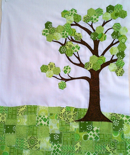 "This could have everyones name embroidered on the ""Leaves""  to make a Family Tree quilt.!!!"