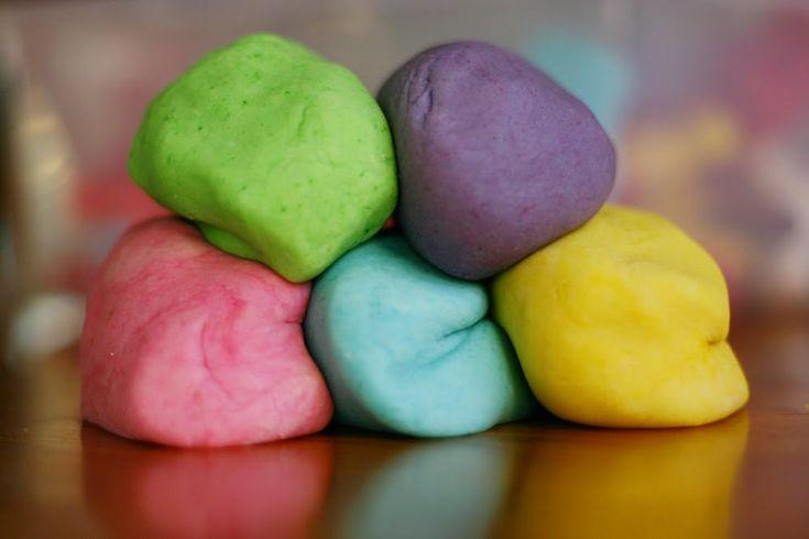 Easy Peasy No-Bake Playdough