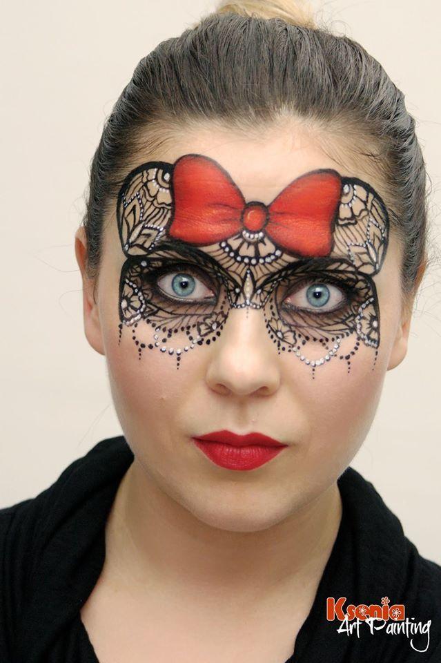 Minnie lacy mask