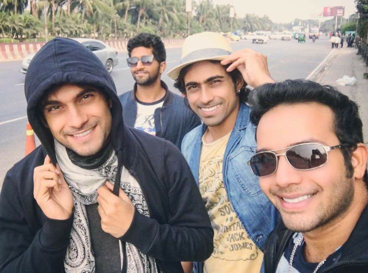 On the streets of Dhaka.... Sanam's looking so cute