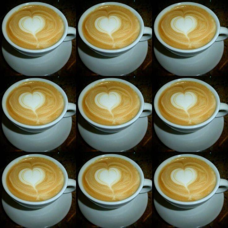 A R O M A  D I  C A F F  É  . Más que amor  es café... . Visítanos este sábado especial de #Madres en #AromaDiCaffé. .  . #AromaDiCaffé#MomentosAroma#SaboresAroma#Café#Caracas#Tostado#Coffee#CooffeeTime#CoffeeBreak#CoffeeMoments#CoffeeAdicts#MeetTheBarista#Espresso#Cappuccino#Americano#CoffeeMoms
