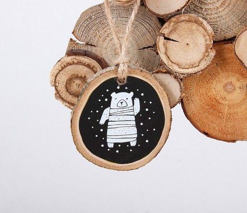 Это очень длинный пост о наших новых сувенирах!  Мы немного подумали и сделали ёлочные игрушки на основе наших магнитиков из срезов. И новую ёлку специально для них - ёлку из палок. И новые открытки, тоже на основе магнитиков.