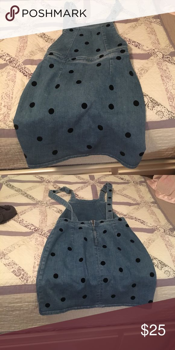 Size 4 denim polka dot jumper This is extra cute! Never worn, I bought it it's just too small. Goes great with some designed tights and some booties!! Dresses Mini