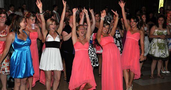 Popular Bouquet And Garter Toss Songs Wedding Music