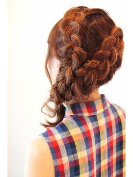 《twoDOORs》編み込みカチューシャ簡単アレンジ♪♪/twoDOORs 【トゥードア】をご紹介。2015年秋冬の最新ヘアスタイルを20万点以上掲載!ミディアム、ショート、ボブなど豊富な条件でヘアスタイル・髪型・アレンジをチェック。
