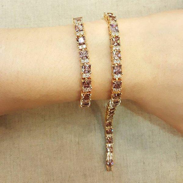 gelang p=185 cm IDR.125k GROSIR-ECER-DROPSHIP Gold plated 18k Tidak(alergi/luntur/karat) Bbm -> 54e6b3bb Wa--> 085759845766 Line -> chelycollectiqu TRIMS.TIDAK COMENT DI GAMBAR  #xuping #goldplated #diamondluxury #bridalshower #bridalwedding #bridalmakeup #gift #surprice #diamonds #kadocantik #kadomurahmeriah #hadiahunikbuatwisuda #grosirtas  #grosiraksesoris  #grosiraksesoris  #grosirtasmurah #lucu #unik #emas #jne #posindonesia #aksesoris #gelang  #cincin #anting  #kalung #valentine…