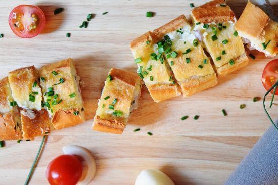 Baguette garnie aux lardons : la recette facile