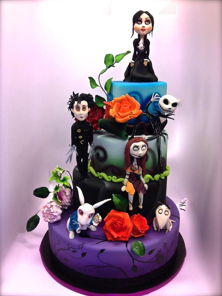 Can't say I've ever seen these movies but the technical brilliance of this cake is unbelievable! Cake Designer: ottobre 2012