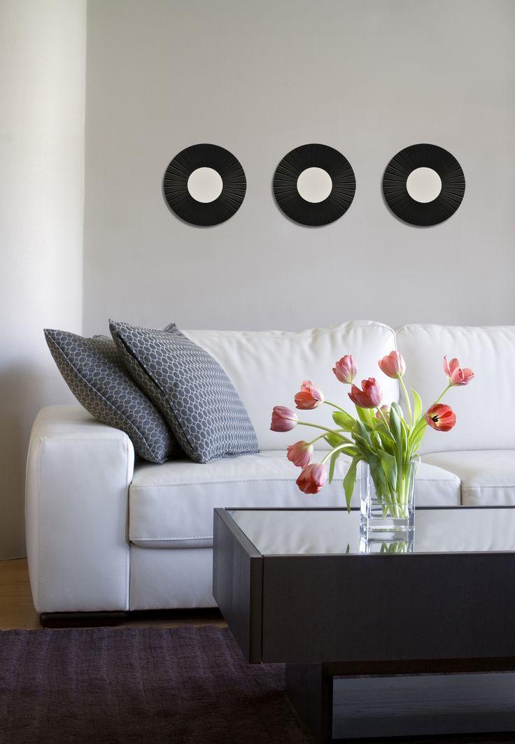 Los juegos de espejos decorativos son increíbles para dar ambiente en tu sala. Conoce nuestra variedad.