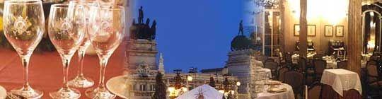 LA TERRAZA DEL CASINO: El señorial edificio del Casino de Madrid, con su decadente elegancia, acoge y da nombre en su última planta, la de la terraza, a uno de los mejores restaurantes de la capital. Desde 1998, La Terraza del Casino cuenta con la asesoría gastronómica de Ferrán Adriá, lo que ha marcado mucho su línea. Sin embargo, el jefe de cocina y director gerente desde el pasado año, Paco Roncero, no se ha limitado como ocurre en otros casos a «fotocopiar» platos.  C/ Alcalá, 15…