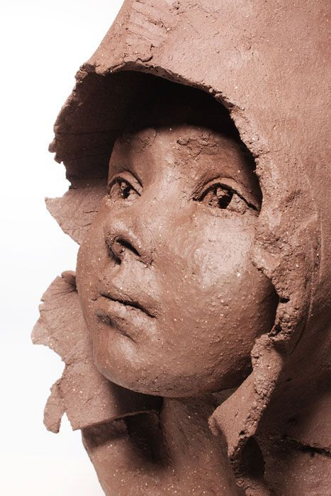 Corinne Chauvet – Skulptur – Erde, Keramik Albi – …