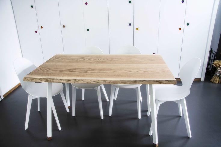 Tavolo in legno di Rovere con struttura in acciaio zincato verniciato bianco
