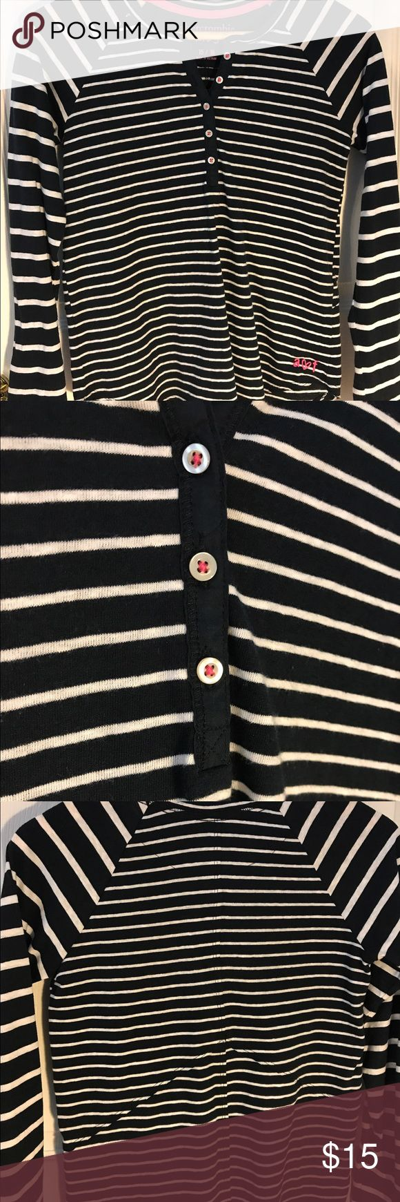 Black and White Striped Abercrombie Long Sleeve Brand New, Never Worn, Without Tags. Black and White, long sleeve shirt. Size is a 15/16 in kids but can fit a adult Small. abercrombie kids Tops Tees - Long Sleeve