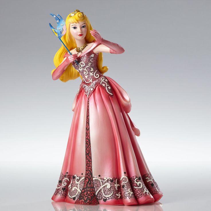 Sleeping Beauty - Aurora Masquerade - Walt Disney Showcase Collection - World-Wide-Art.com - #disney #disneyshowcase #figurines #masquerade #sleepingbeauty
