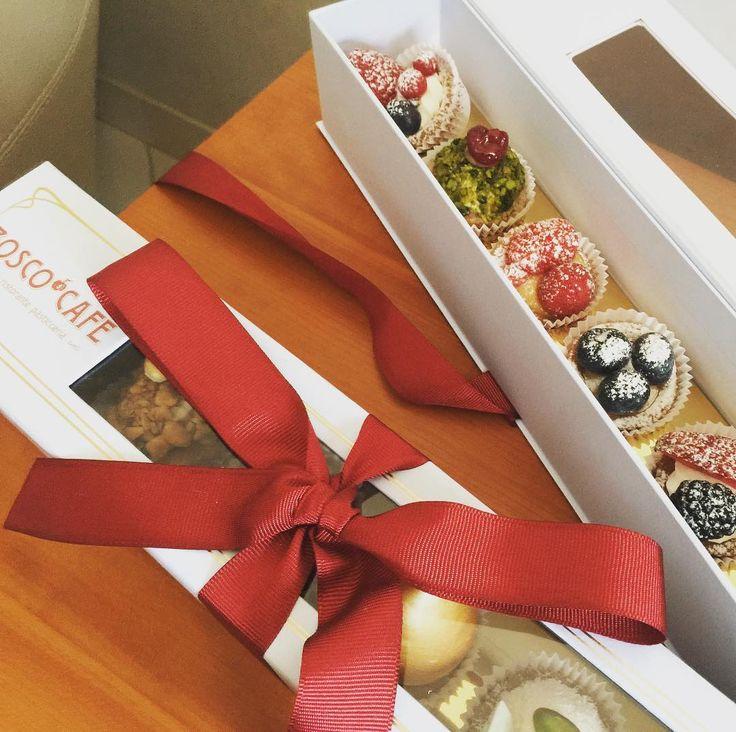 5 отметок «Нравится», 2 комментариев — Asmik Kalantaryan (@hkalantaryan) в Instagram: «Люблю праздники! Особенно приятно получать неожиданные подарки!🌹С праздником нас, девочки!…»