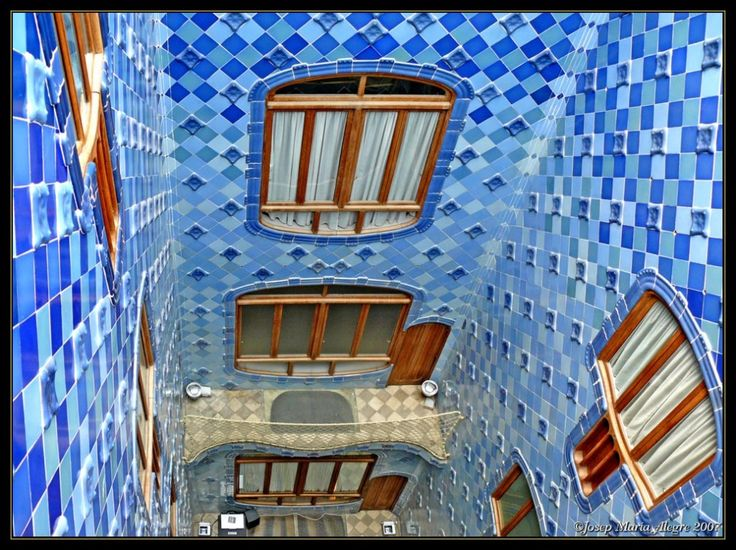 Casa B's internal stairwell - notice the changing colours of the tiles? & the shape of the windows? love the openess