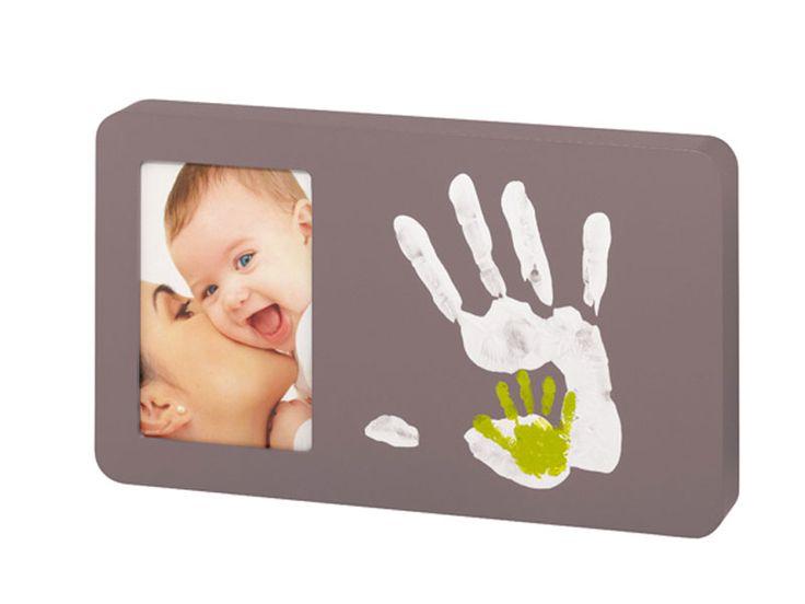 Avete bisogno di un'idea regalo per il bimbo dell'amica che ha appena partorito? Eccolo qui: http://ndgz.it/impronte-neonato Foto e impronte del proprio bimbo servono a conservare magnific ricordi! (e sul nostro store trovate tanti modelli di questo prodotto differenti) ;D  #neonati #nascita #regali