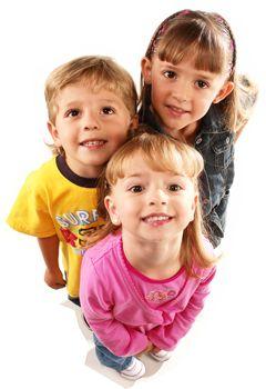 ¿Sabías que el odontopediatra se encarga también del control del crecimiento de los huesos de la cara? Visítanos con los más pequeños, tenemos excelentes especialistas