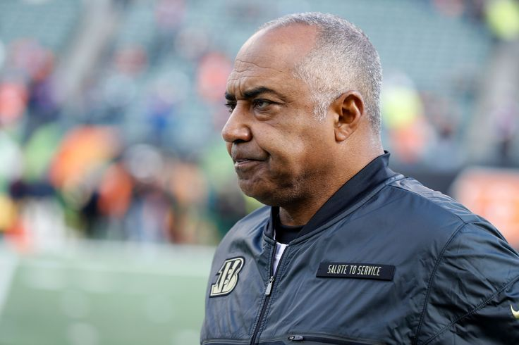 No Fun League Strikes Again: Marvin Lewis will not allow John Ross to risk his career by running a 40-yard dash.  http://ift.tt/2pKszWn Submitted May 06 2017 at 12:00AM by OttoNeu via reddit http://ift.tt/2qBFx9X