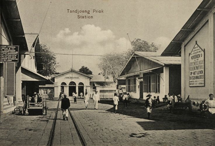 Station Tandjong Priok, Batavia ca 1910.