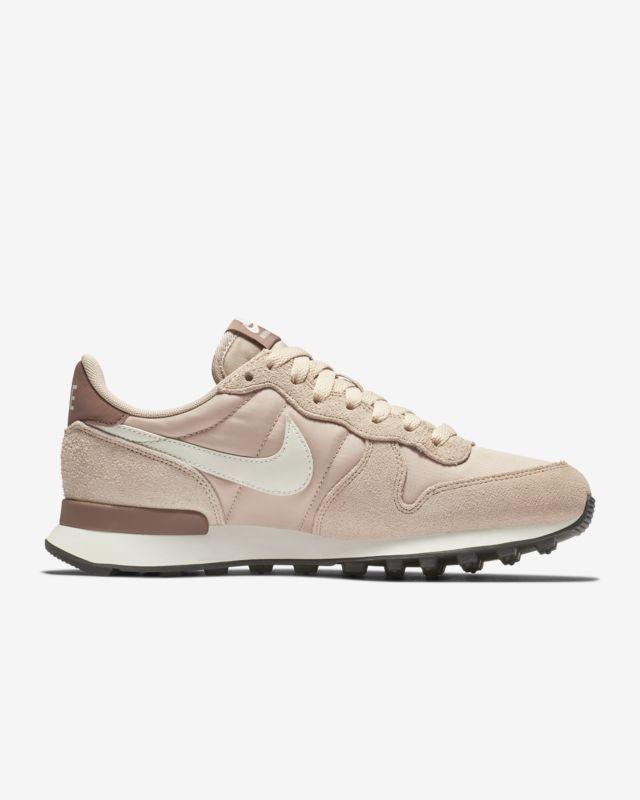 differently 99ce5 ec530 Nike Internationalist Women s Shoe