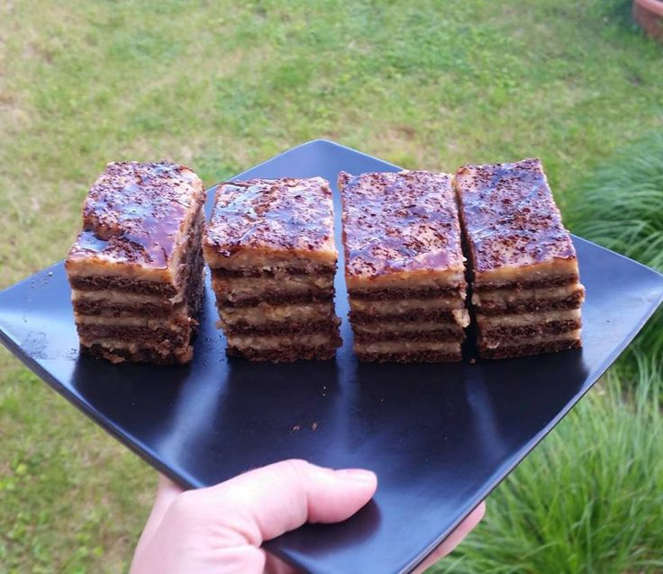 Ti Készítettétek Recept (A recept készítője: Betti) Hamis Marlenka, glutén-, és tejmentesen     Piskóta - Szafi Free karobos muffin recept alapján, néhány plusz hozzávalóval(eredeti Szafi Free krobos muffin RECEPT ITT!): Hozzávalók:    160 g Szafi Free karobos muffin lisztkeverék (Szafi F