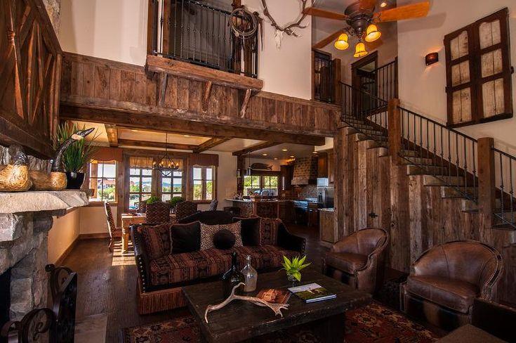 Texas Lake Home: Mushroomwood Paneling