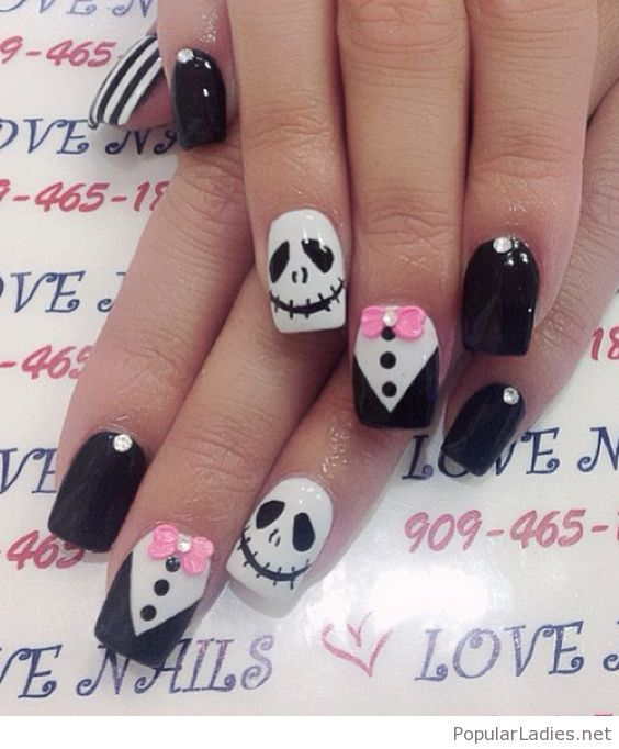 interesting-and-funny-black-white-mani