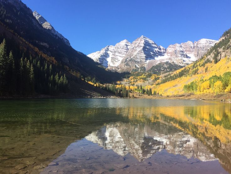 Maroon Bells, Colorado  - #funny #lol #viralvids #funnypics #EarthPorn more at: http://www.smellifish.com