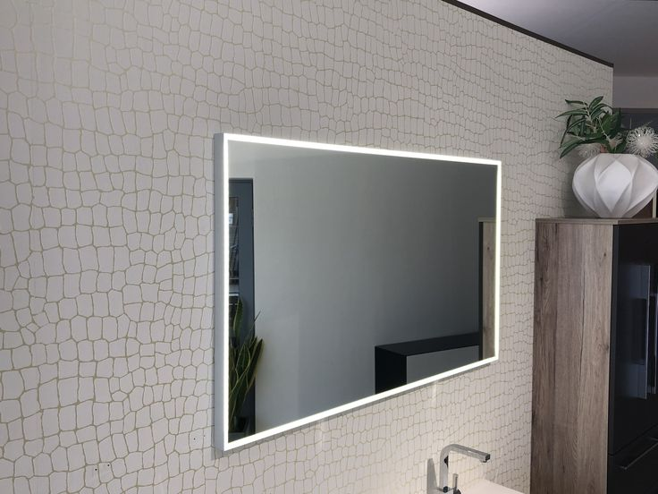 Die besten 25+ Badspiegel mit led beleuchtung Ideen auf Pinterest ...