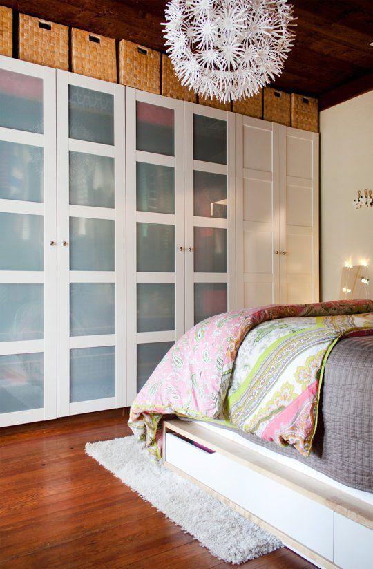 Фотография: Спальня в стиле Скандинавский, Гардеробная, Хранение, Интерьер…