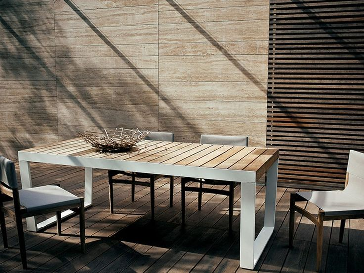 Extending Steel And Wood Garden Table SPINNAKER   RODA