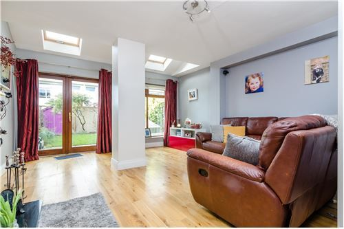 View full property details about this 102 SqM Terraced House For Sale in Maynooth,Ireland. Browse our extensive database for similar Terraced House and connect with a RE/MAX real estate agent today.