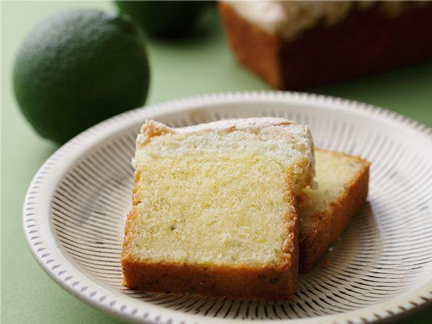 鎧塚俊彦シェフ うっすらグリーンを帯びた焼き菓子 「カボスのパウンドケーキ」 | 料理通信
