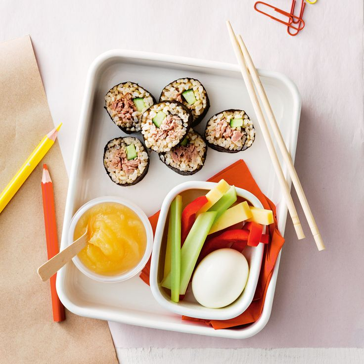 How to pack the perfect lunchbox for your kids - Easy Sushi + Snacks #Easy #Sushi #Snack #Lunch #Lunchobx #LunchboxIdeas #KidsLunch #FreshFoodKids