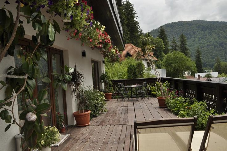 Booking.com:  Guest house La Monitori  ,  Sinaia,  Romania   - 289  Guest reviews  .  Book your hotel now!